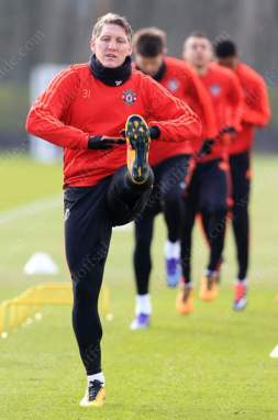 Bastian Schweinsteiger trains with his Man Utd teammates