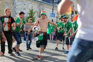 Another Irish fan takes his turn