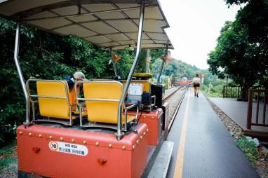 鐵道自行車全程 6 公里,可選擇三種不同路線。