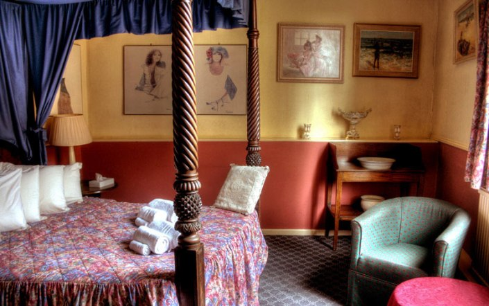 Blue Boar Hotel Bedroom Simon Web Design Photography