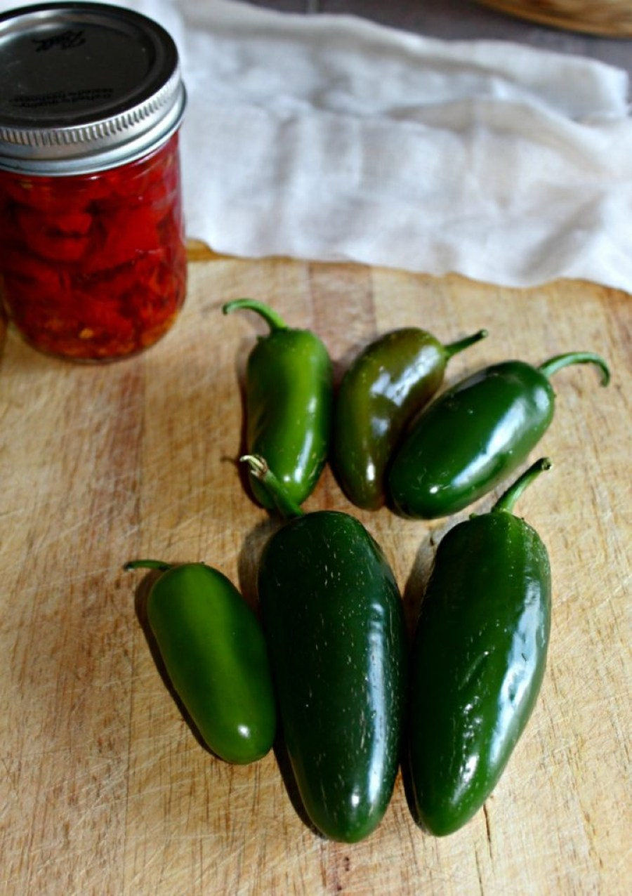 Pickled Jalapeno Peppers Simpleandsavory.com