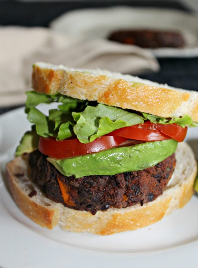 black bean burger #SundaySupper Simpleandsavory.com