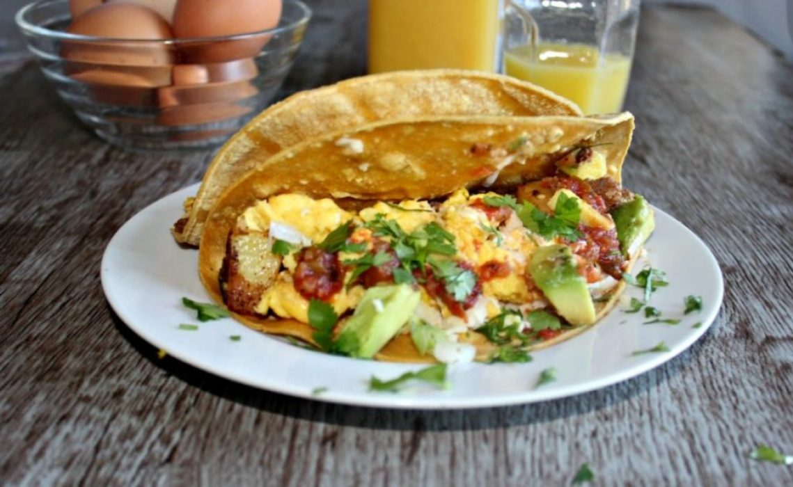 Texas Breakfast tacos Simpleandsavory.com