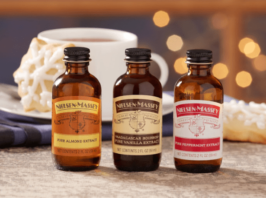 Nielsen Massey peppermimt, vanilla and almond extract