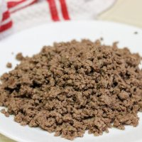 plate of cooked ground beef crumbles