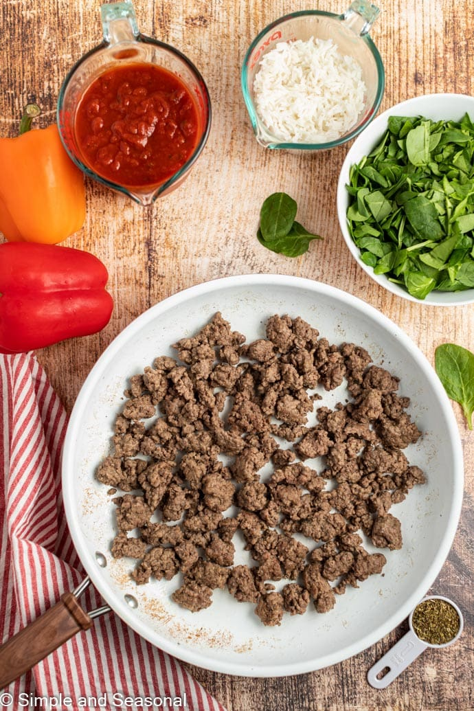 cooked ground beef in a bowl