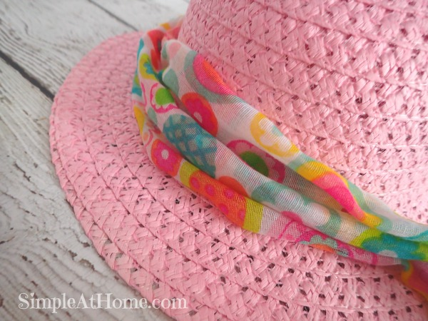 I love cute and cheap dress up projects for the kids. This Easter Bonnet fits the bill