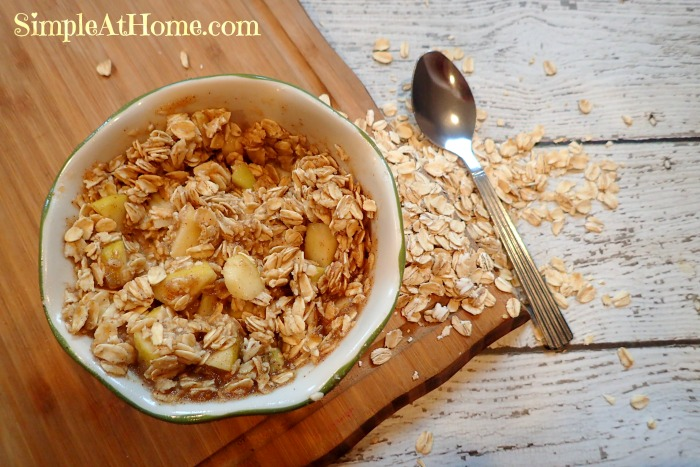 Apple pie oatmeal easy breakfasts, simple breakfasts, apple pie, oat meal, oatmeal recipes for kids.