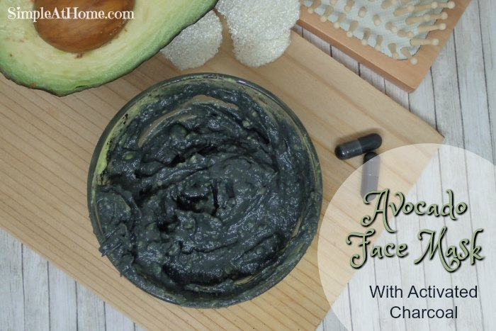 Moisturizing, Anti-aging, detoxifying Avocado face mask with activated charcoal