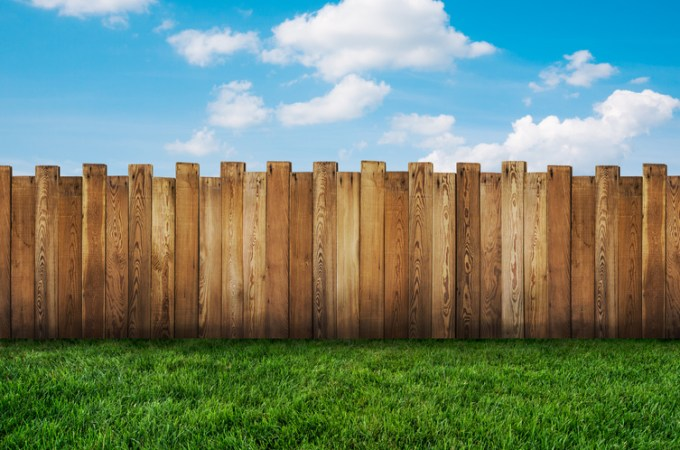 3 Popular Fencing Trends to Watch In 2019