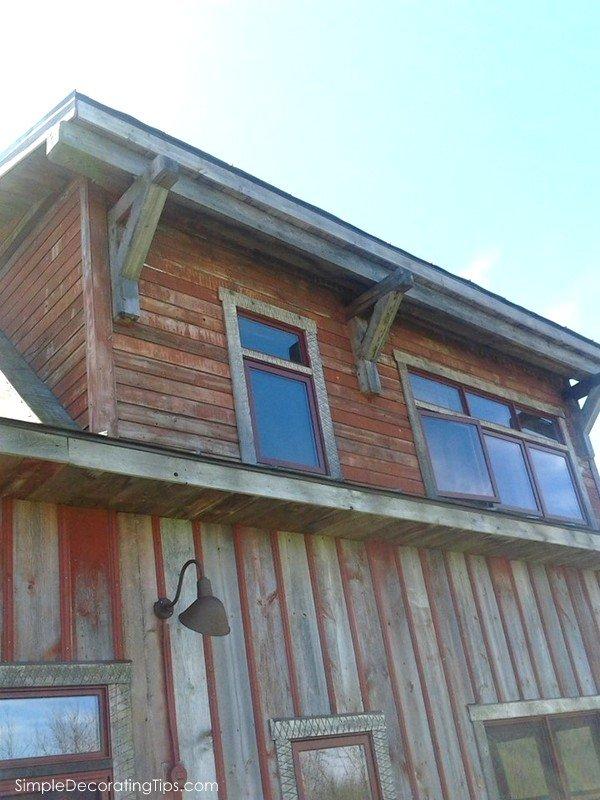 SimpleDecoratingTips.com 7 barn house details