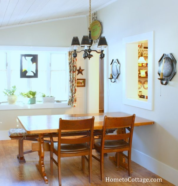 HometoCottage.com breakfast table