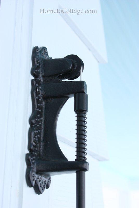 HometoCottage.com exterior doorbell pulley