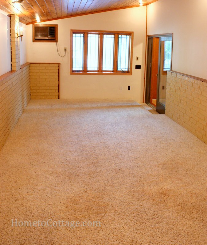 HometoCottage.com breakfast room before with carpet