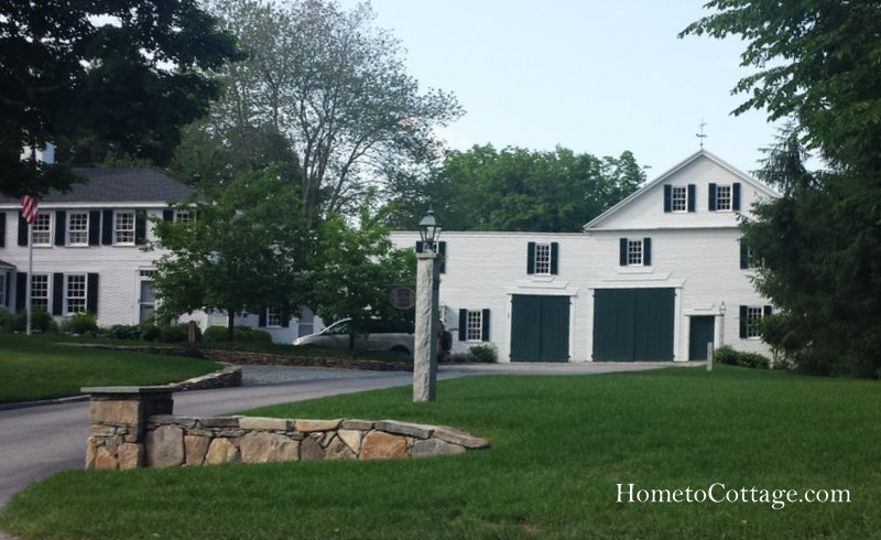 HometoCottage.com white barn