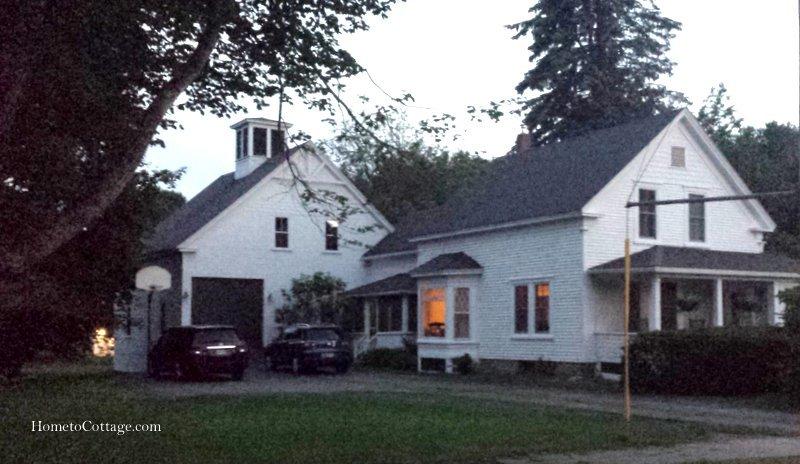HometoCottage.com white house and barn