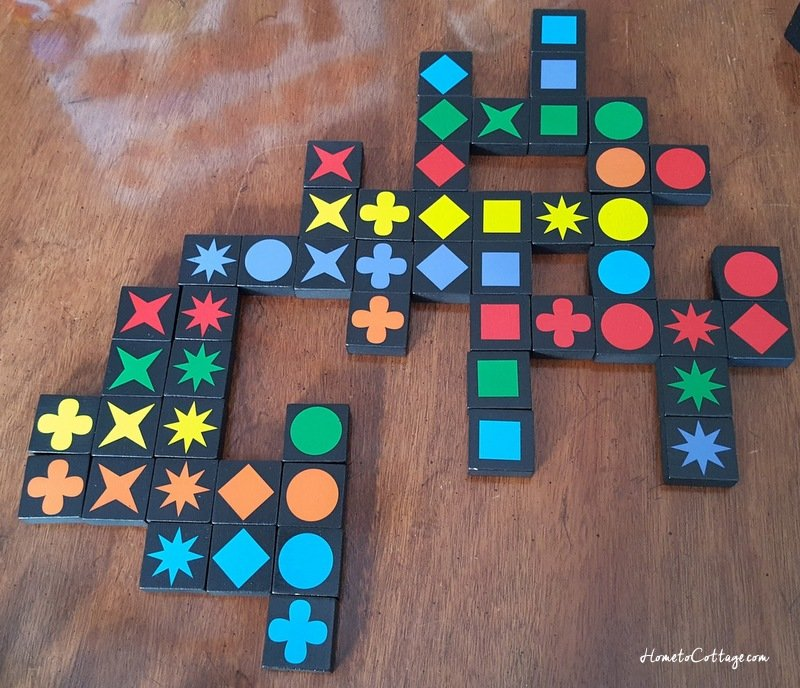 HometoCottage.com Qwirkle game tiles look like Amish quilt
