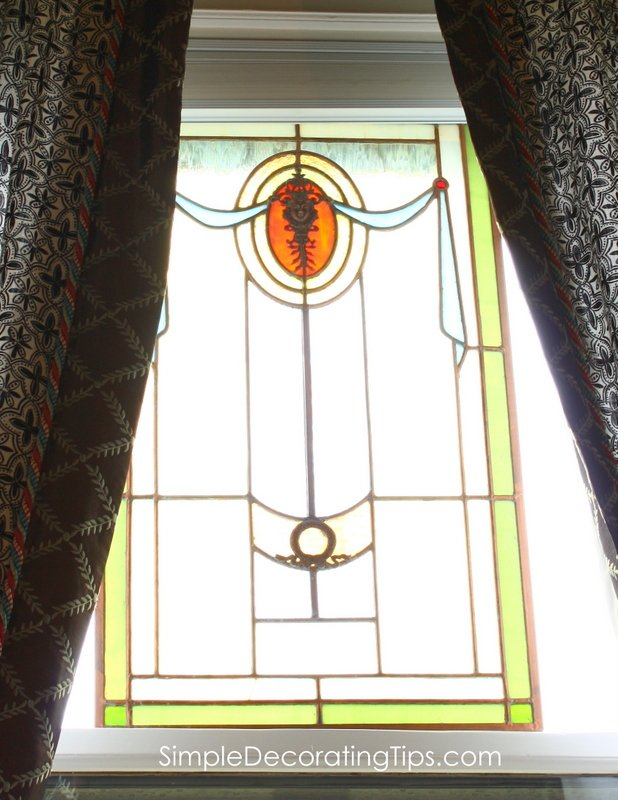 SimpleDecoratingTips.com stained glass window on top