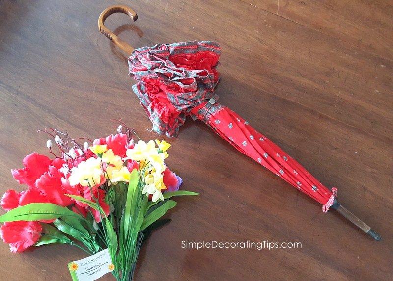 SimpleDecoratingTips.com parasol and flowers