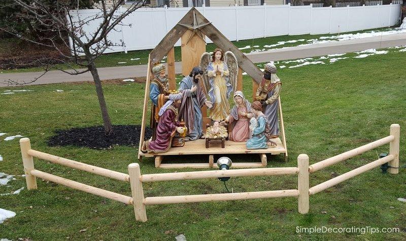 SimpleDecoratingTips.com Outdoor Nativity