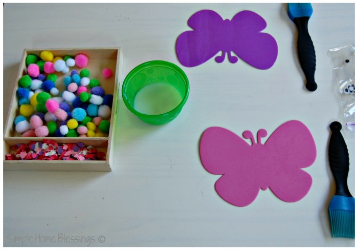 Butterfly craft for toddlers - preparation