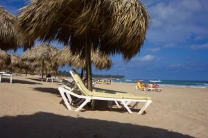 beach-holiday-1066_640