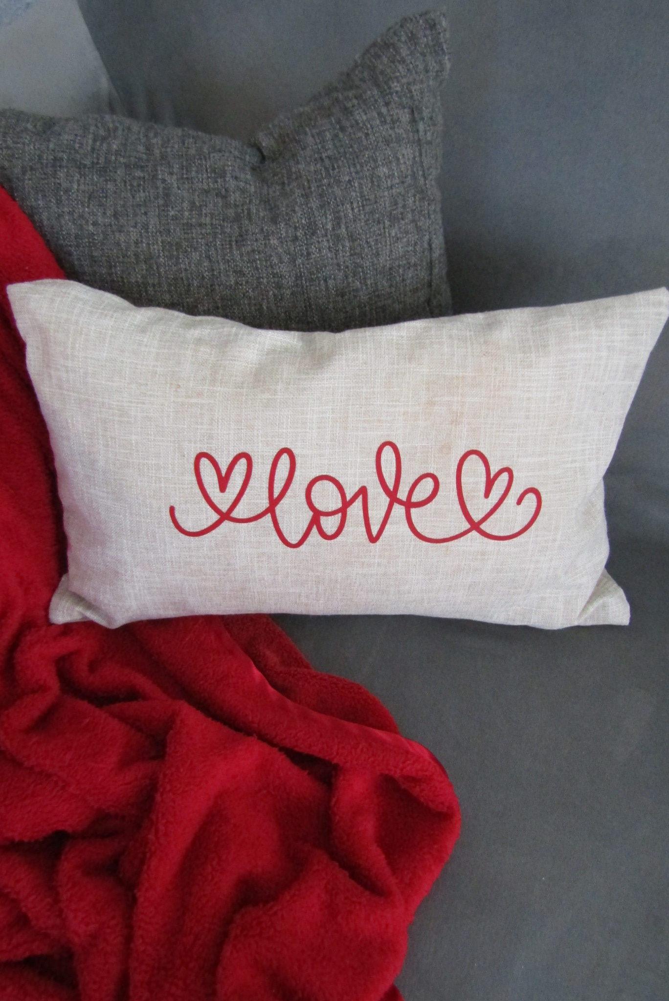 day throw pillow using cricut iron