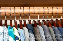 Organize your closet in 2 simple steps