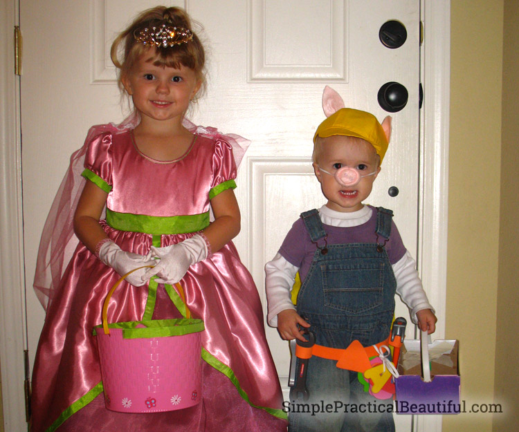 Family Halloween costume from Super Why on PBS kids with Wonder Red, Princess Pea, and Alphapig