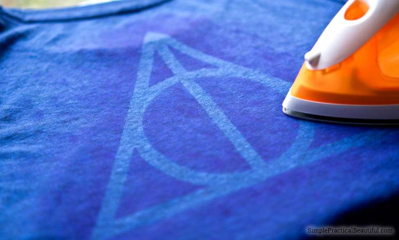 Use craft inks to create the deathly hallows design on any tshirt, or learn how to make your own design. Free printable pattern of the Harry Potter designs.