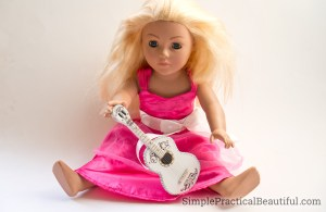 How to make a doll size guitar