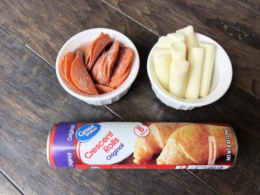 crescent-roll-pizza-ingredients