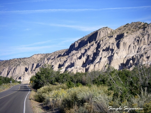 Road _to-Tent_Rocks