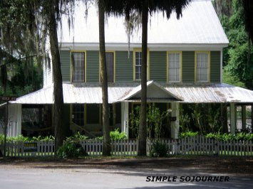 FLORIDA CRACKER STYLE HOMES