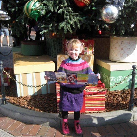 Disneyland Christmas Tree with Kennedy - Simple Sojourns