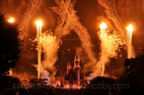 Disneylands-Castle-Fireworks - Simple Sojourns