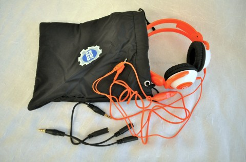 Kidz Gear - Headphones with Carrying Bag 2 - Simple Sojourns