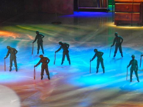 Disney on Ice Green Army Guys - Simple Sojourns