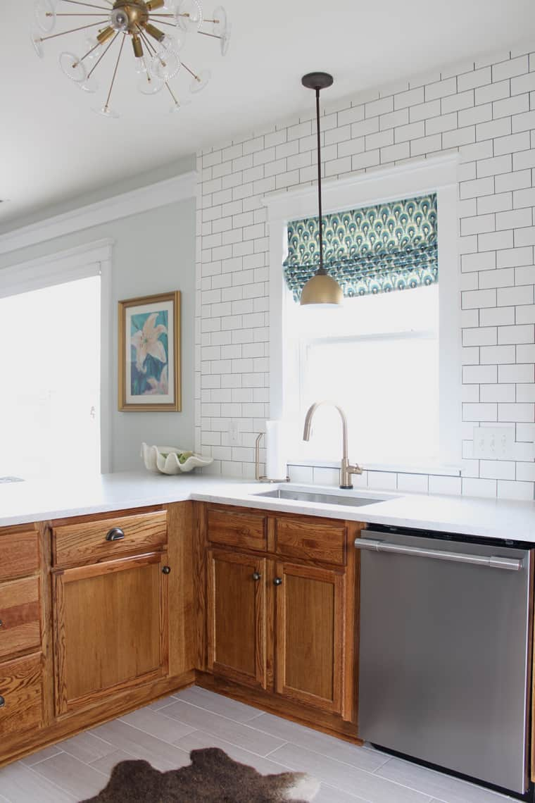 Updating a 90s kitchen – WITHOUT Painting Cabinets!