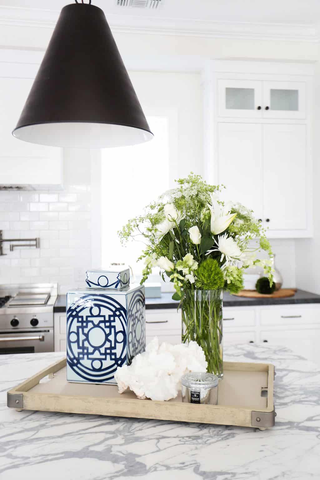HOM-Modern-Farmhouse-With-Coastal-Flare-by-Blackband-Design-kitchen