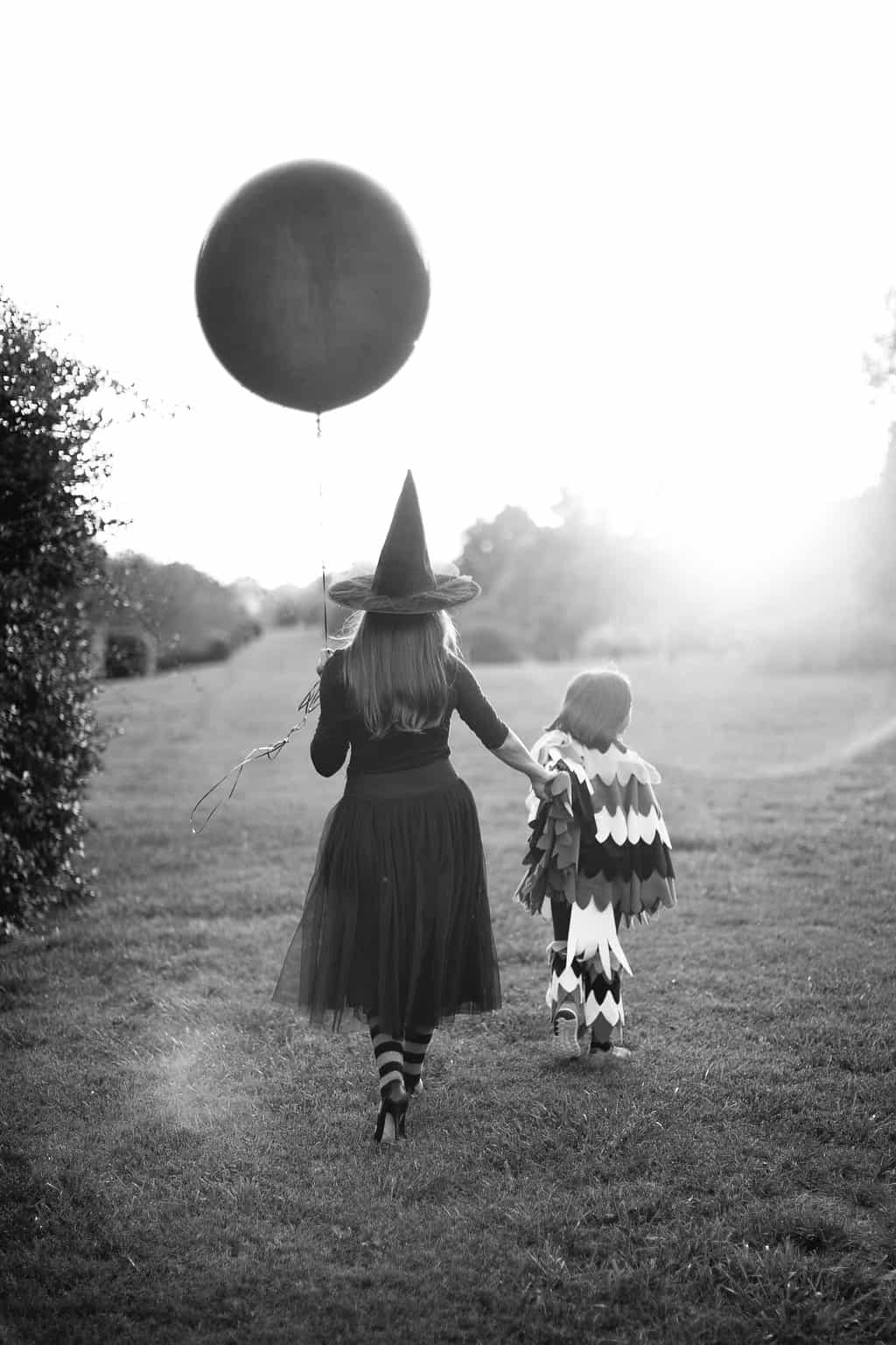 Embracing-The-Magic-of-Halloween-Kid-Style-mom-child