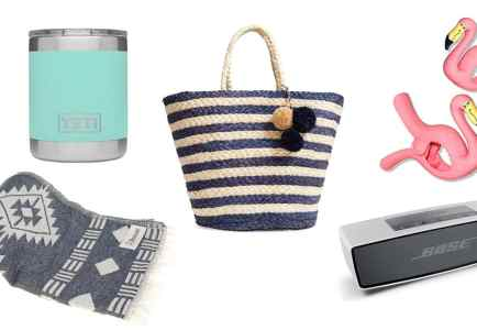 Top 5 Friday: Our Top 5 Favorite Beach Necessities!