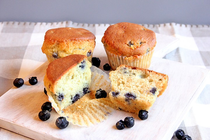 keto / low carb blueberry muffins