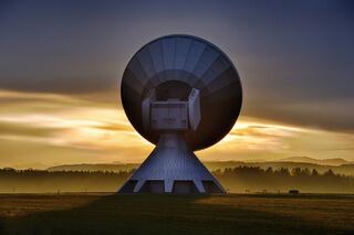 antenă parabolică