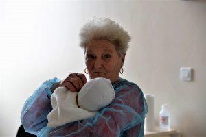 nou-nascut si batran