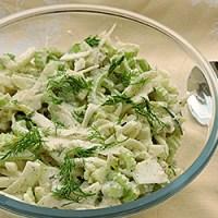 Salata de cruditati verzi cu dressing de hrean
