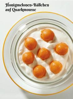 Rezept - Honigmelonen-Bällchen auf Quarkmousse - Simply Kochen Sonderheft Zuckerfrei 01/2019