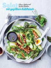 Rezept - Salat mit gegrilltem Kalbfleisch, Erbsen, Gurken und frischen Kräutern - Simply Kochen Sonderheft - Frühlingssalate