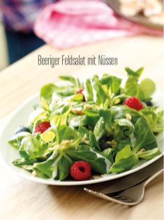 Rezept - Beeriger Feldsalat mit Nüssen - Bewusst Low Carb Sonderheft Keto