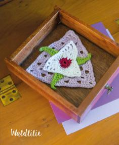 Häkelanleitung - Waldlilie - Mini Granny-Blumen häkeln Vol. 9